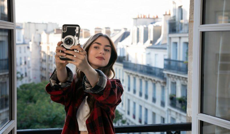 Lily Collins filmează pentru Emily in Paris