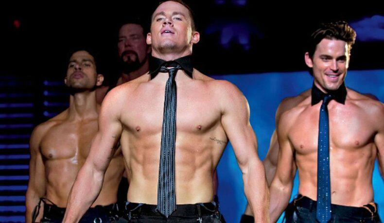 Channing Tatum la bustul gol, purtând doar o cravată, în filmul Magic Mike