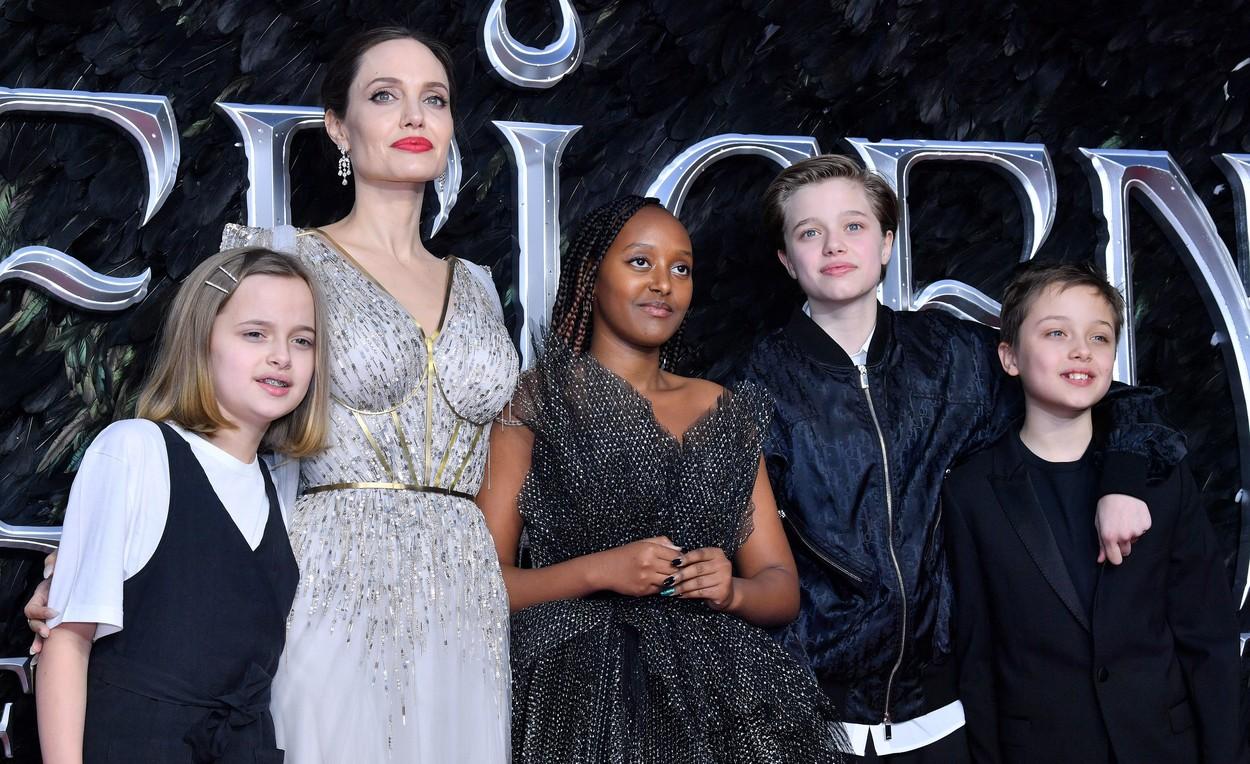 Angelina Jolie, alături de copii la premiera Maleficent