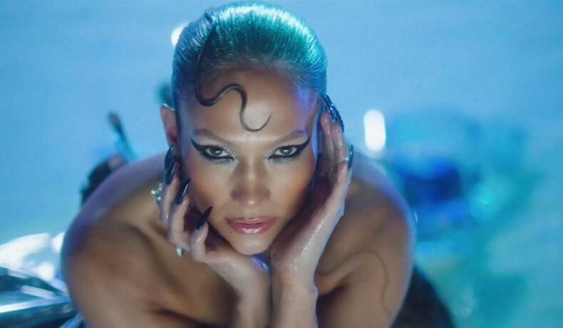 Jennifer Lopez în timpul filmărilor de celui mai nou clip muzical