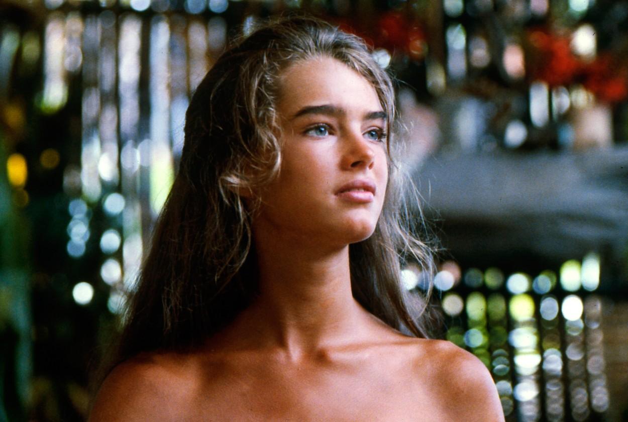 Portret Brooke Shields în The Blue Lagoon fără haine și cu părul lung