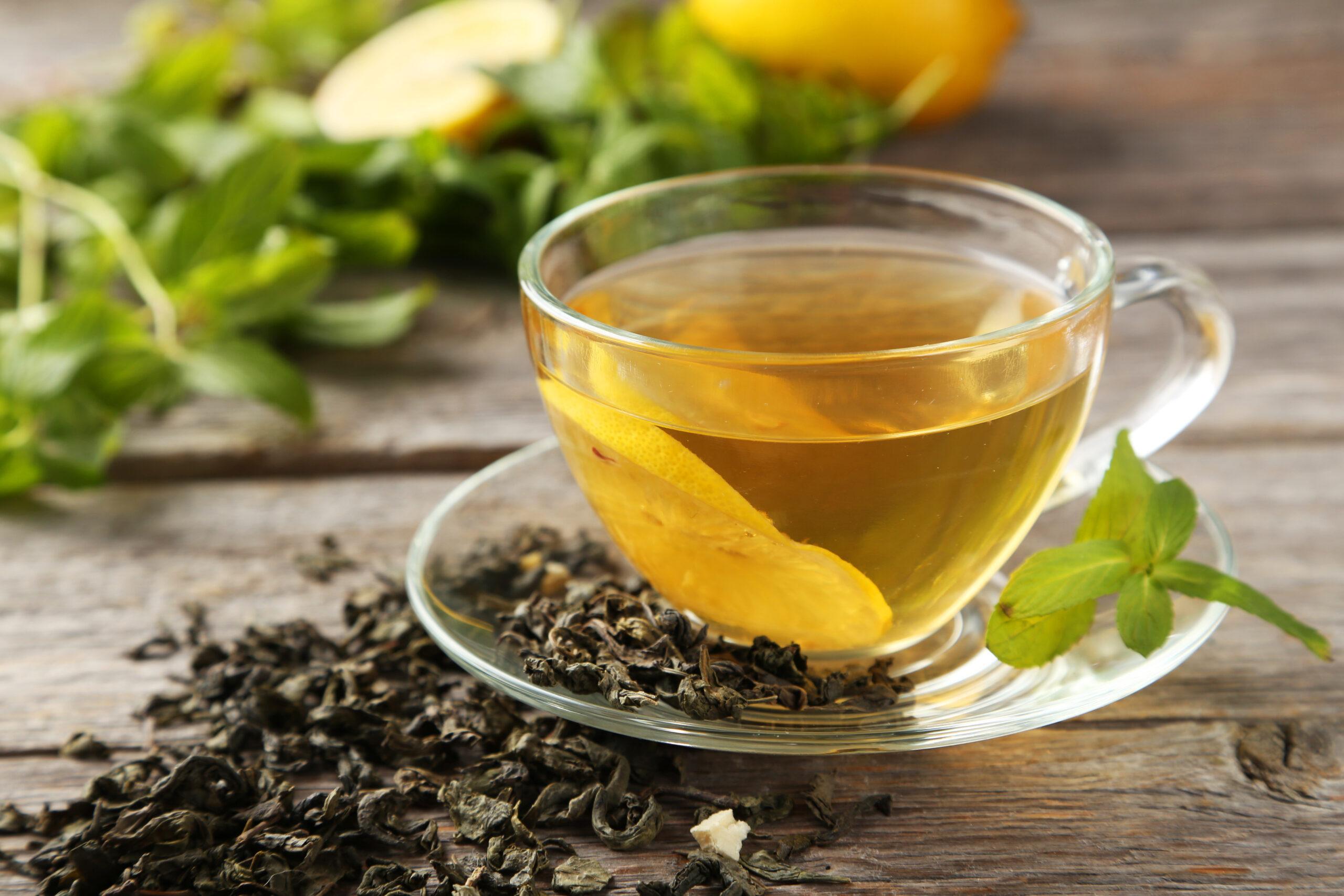 Imagine cu ceaiuri pe care le poți bea în sezonul rece