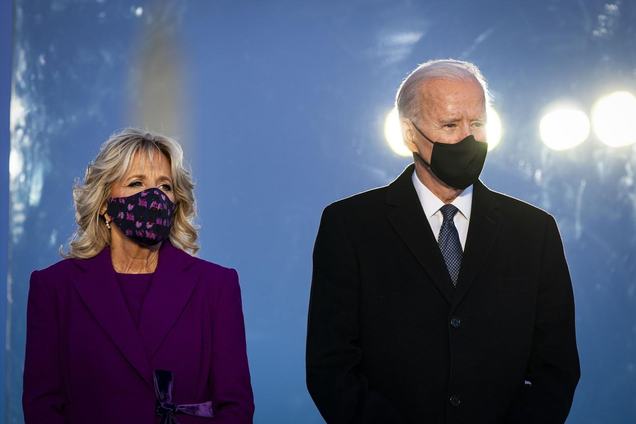 Jill Biden și Joe Biden la Monumentul lui Lincoln