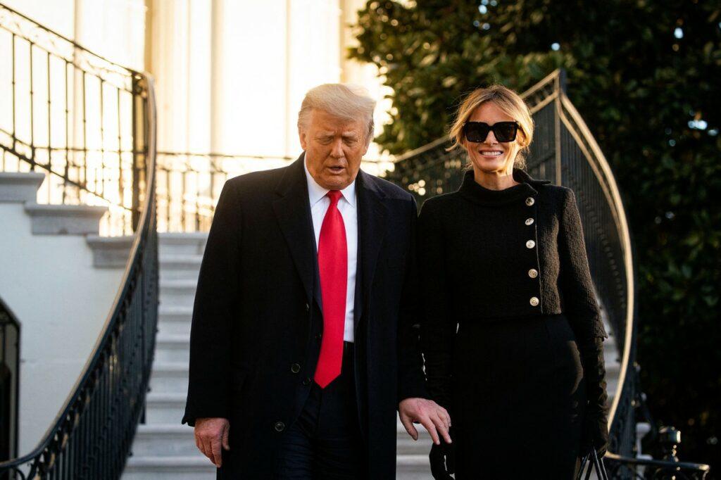 Donald și Melania Trump, fotografiați în momentul în care părăsesc Casa Albă