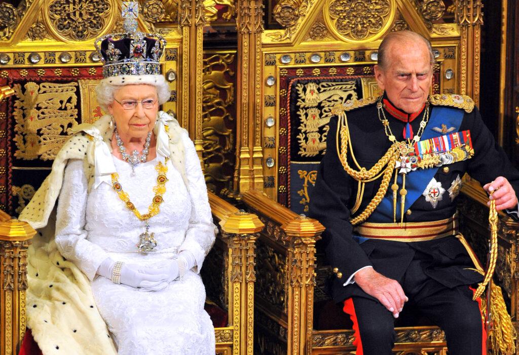 Regina Elisabeta alături de soțul la House of Lords de la Palace of Westminster