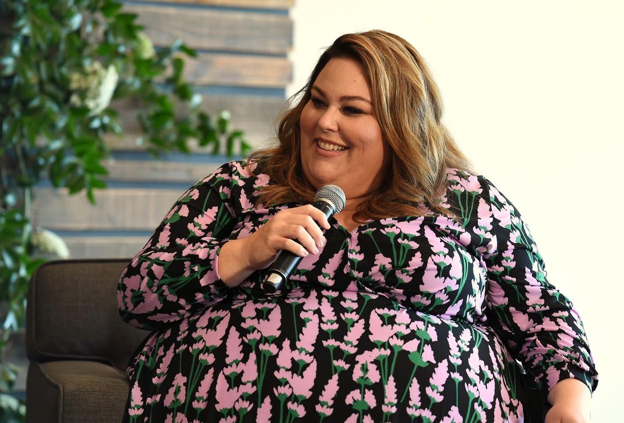 Chrissy Metz, fotografiată în timp ce acordă un interviu despre rolul din This is Up