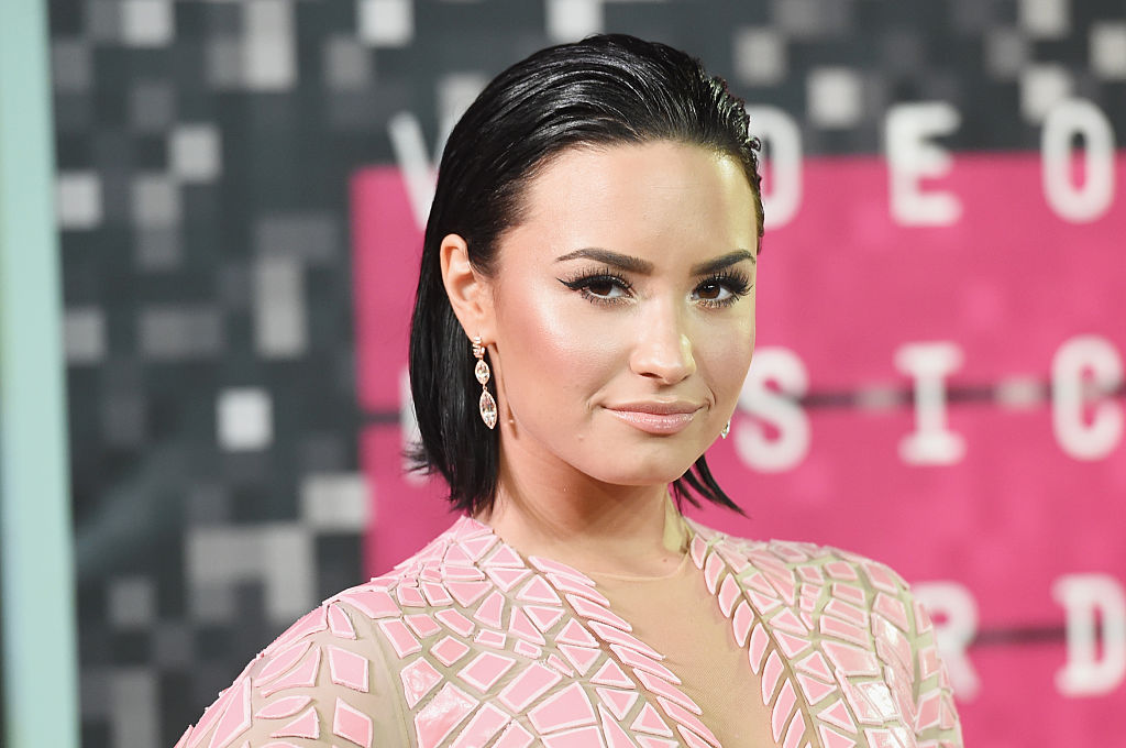 Demi Lovato la MTV Video Music Awards din 2015, la Microsoft Theater