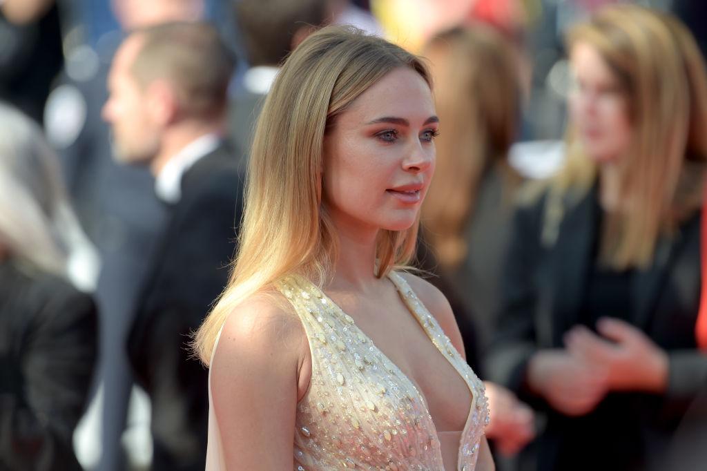 Kimberley Garner, apariție ravisantă pe covorul roșu la Cannes