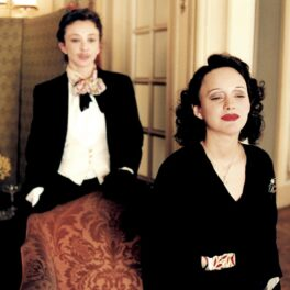 Marion Cotillard o interpretează pe Edith Piaf
