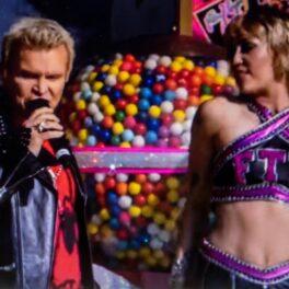 Miley Cyrus a susținut un concert în fața fanilor la Super Bowl 2021