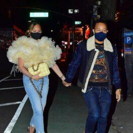 Chrissy Teigen, alături de John Legend în New York, la o cină romantică