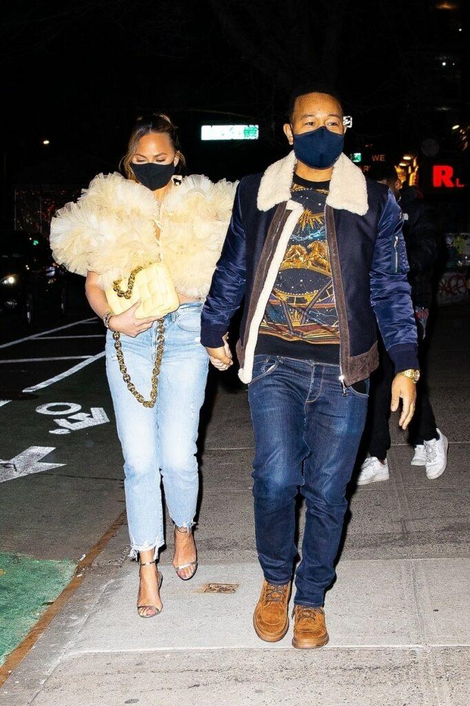 Chrissy Teigen și John Legend, fotografiați în New York, la o cină romantică