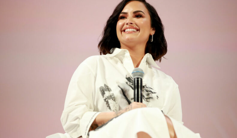 Demi Lovato, la Teen Vogue Summit, în anul 2019