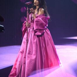 Dua Lipa, în timpul reprezentației sale de pe scena Premiilor Grammy 2021