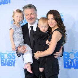 Hilaria și Alec Baldwin, alături de doi dintre copiii lor, la premiera unui film