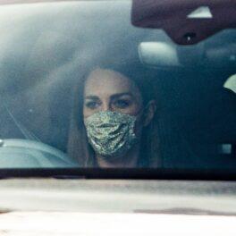 Kate Middleton, fotografiată în Londra, în timp ce conduce mașina personală