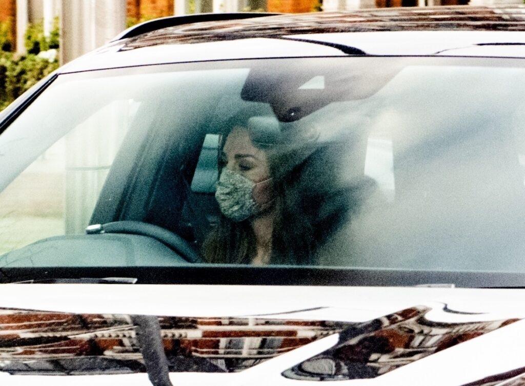Kate Middleton, la volanul mașinii sale, în Londra