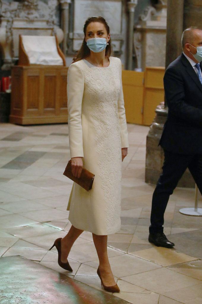 Kate Middleton, îmbrăcată într-un palton superb, la Westminster Abbey