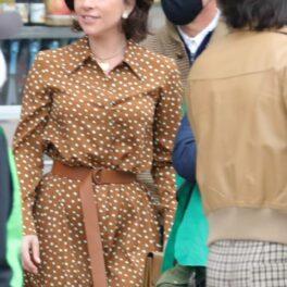 Lady Gaga, îmbrăcată într-o rochie retro, pe platourile de filmare de la House of Gucci