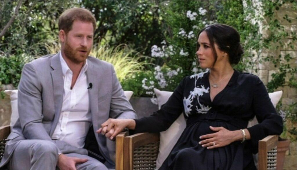 Meghan Markle îl ține strâns de mână pe Harry în timpul interviului cu Oprah Winfrey