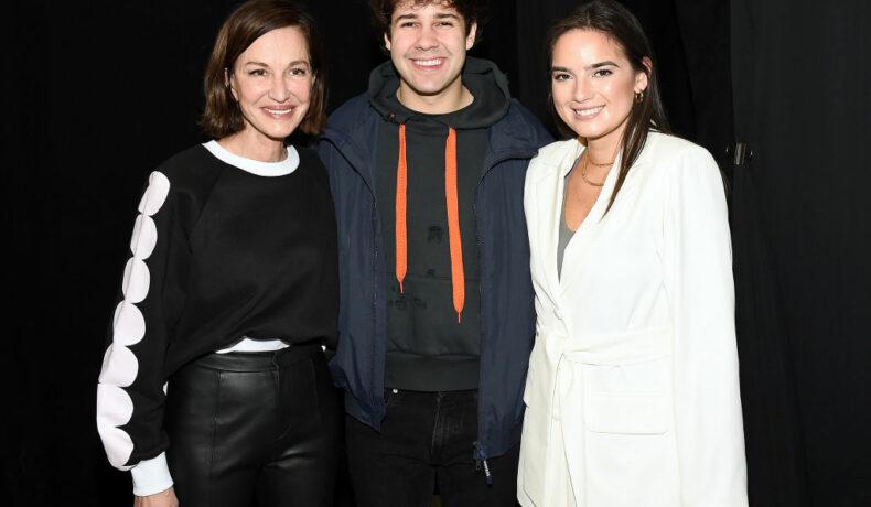 Natalie Noel, fotografie alături de David Dobrik, la Cynthia Rowley fashion show