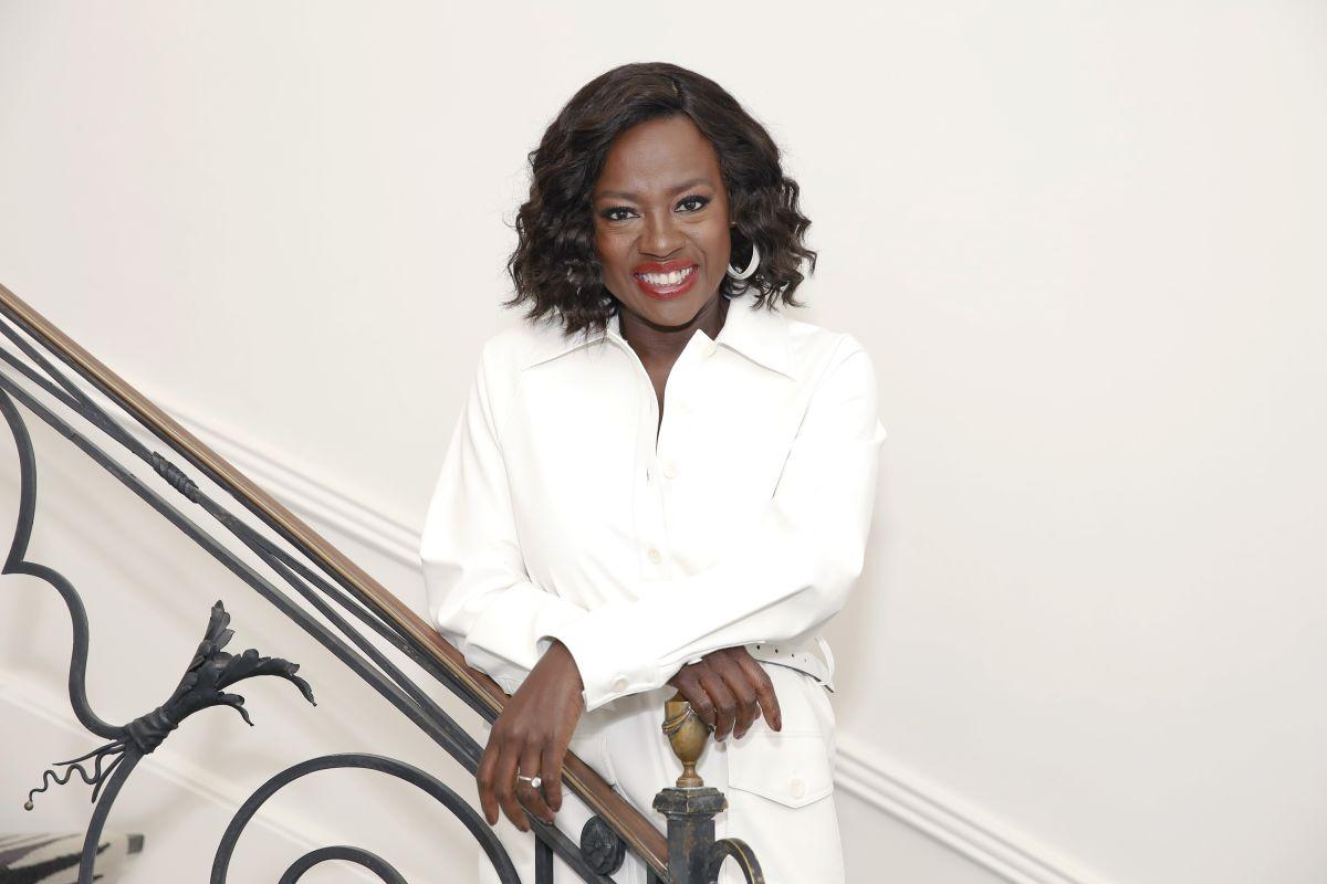 Viola Davis, îmbrăcată în alb, face istorie la Oscar 2021