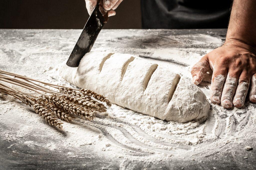 Aluat de pâine crestat