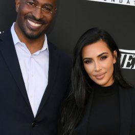 Kim Kardashian și reporterul CNN, Van Jones, la o conferință despre justiție