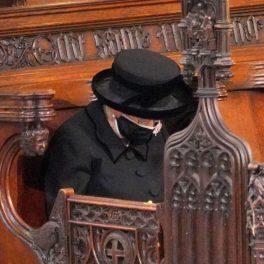 Regina Elisabeta, la slujba de înmormântare a soțului ei, Ducele de Edinburgh