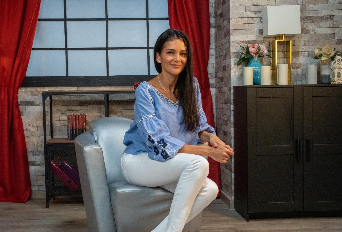 Ruxandra Luca, relaxată și îmbrăcată casual la interviul CaTine.ro