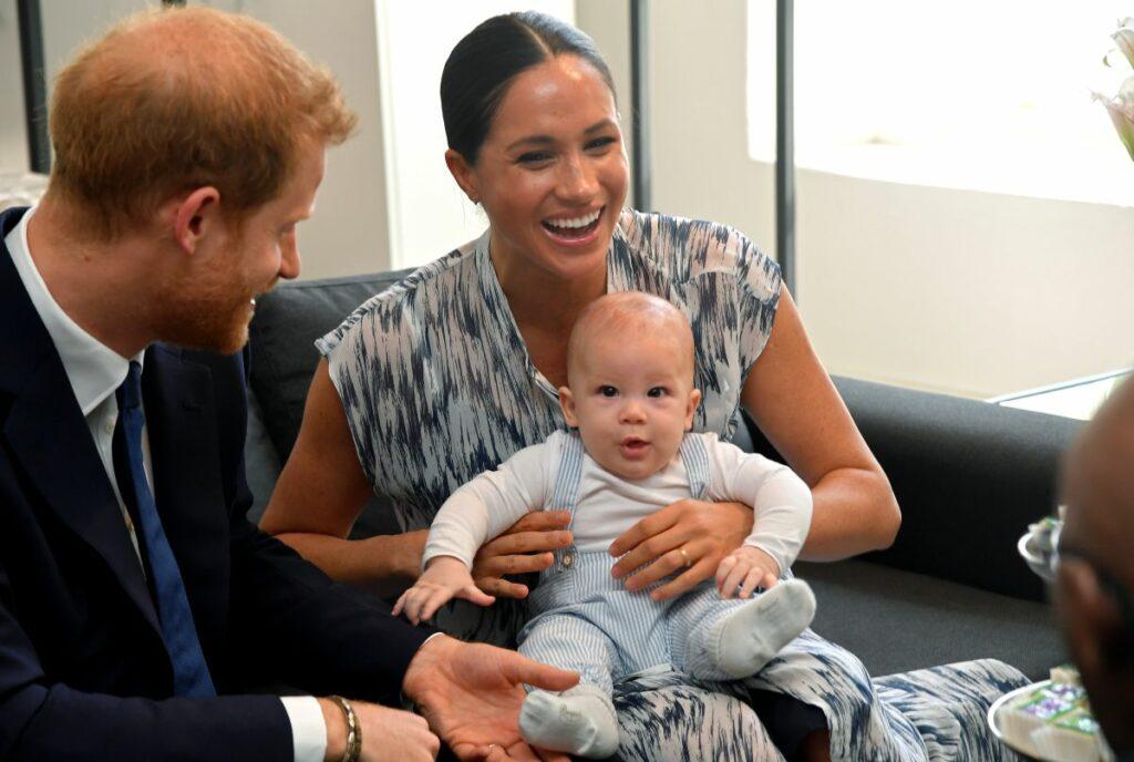 Ducii de Sussex, alături de Archie, fiul lor, într-o vizită în Africa de Sud