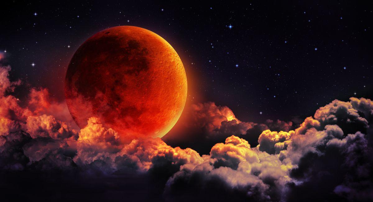 Super Luna sângerie
