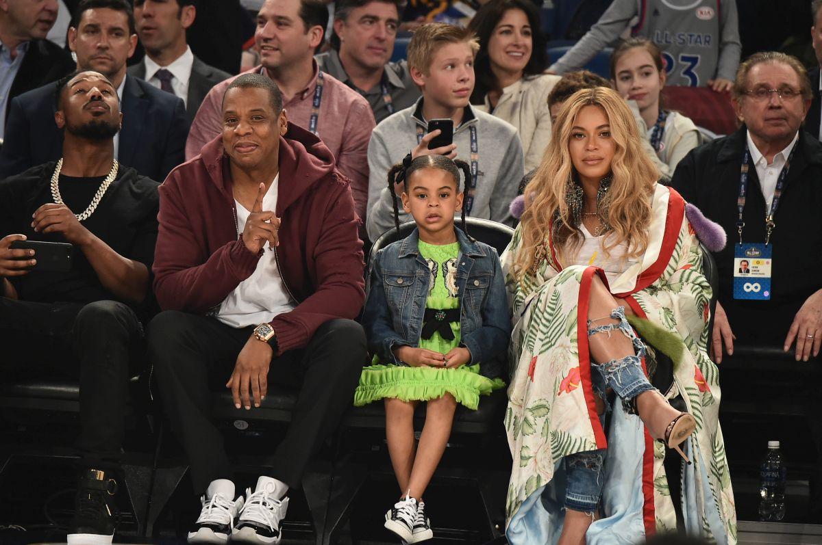 Beyoncé, soțul ei și fiica sa cea mare participă la un meci NBA
