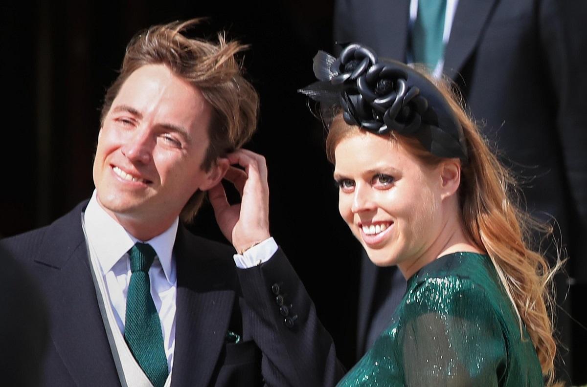 Prințesa Beatrice într-o rochie verde alături de soțul său Edoardo Mapelli Mozzi, aceasta a anunțat că este însărcinată