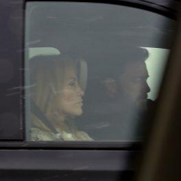 Jennifer Lopez și Ben Affleck, într-o vacanță, în Motana, fotografiați relaxați în mașină