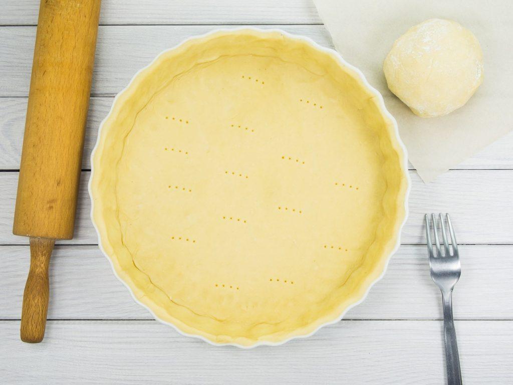 Aluat de tartă înainte de coacere