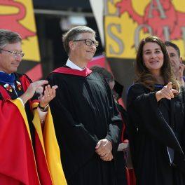 Cuplulul Gates în cadrul unui eveniment de la Universitatea Stanford