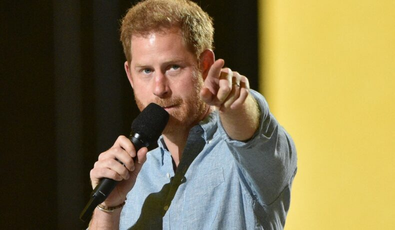 Prințul Harry, pe scena concertului VAX Live, organizat de Global Citizen