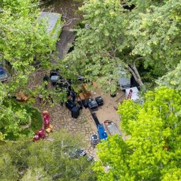 Imagini surprinse cu drona, de la casa Arianei Grande, în timp ce se făceau pregătiri pentru nunta cu Dalton Gomez