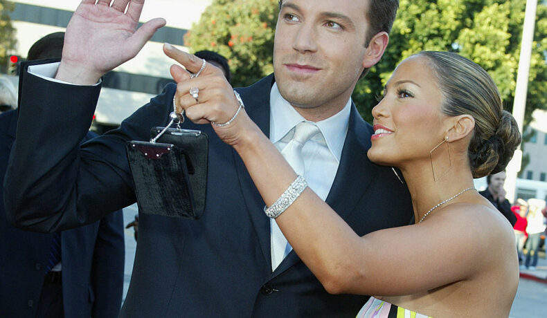 Ben Affleck și Jennifer Lopez, la premiera filmului Daredevil, în anul 2003