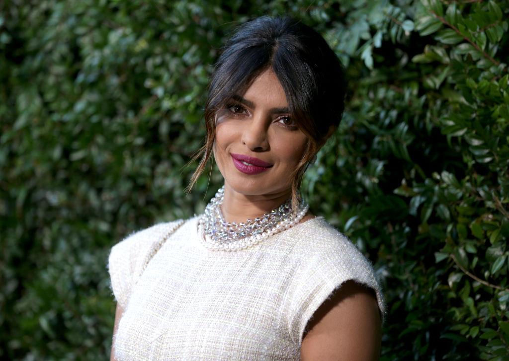 Priyanka Chopra, elegantă, într-o rochie albă, la un eveniment Chanel, în 2018