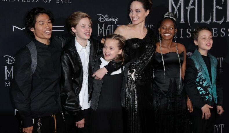 Shiloh-Jolie-Pitt, la premiera fimului Maleficent, în anul 2018, cu mama și frații ei
