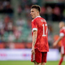 Aleksandr Golovin, la meciul de fotbal dintre Polonia și Rusia, în anul 2021, pe stadion