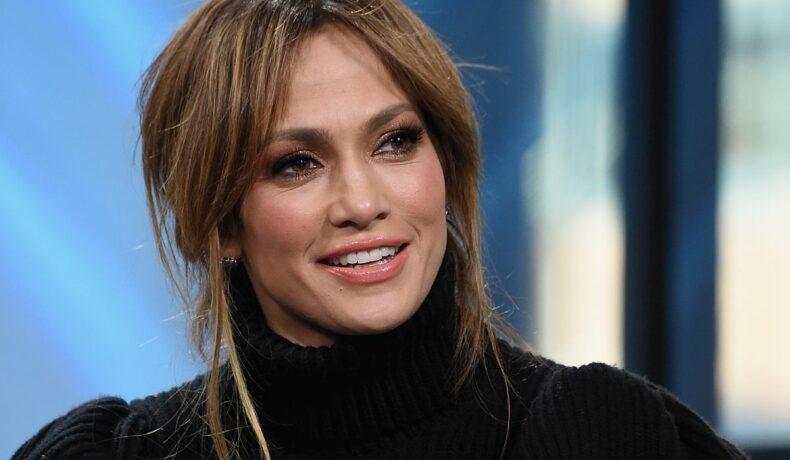 Jennifer LOpez, într-o emisiune televizată / Getty Images