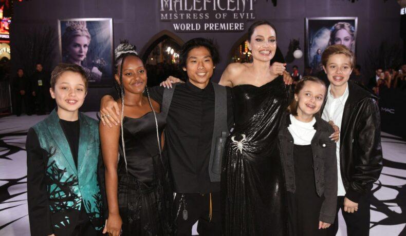 """Angelina Jolie, alături de copiii săi, la premiera mondială a filmului """"Maleficent: Mistress of Evil"""""""