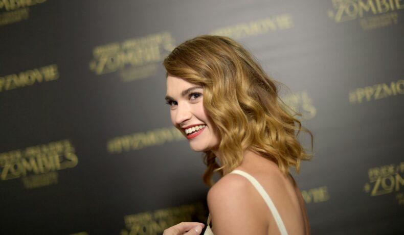 """Lily James participă la premiera filmului """"Pride and Prejudice"""""""