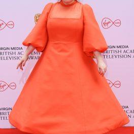 Nicole Coughlan a optat pentru o rochie extravagantă, roșie, la Premiile Bafta TV 2021