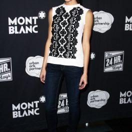 Ashely Green poartă o bluză de inspirație românească