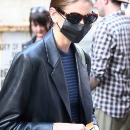Kaia Gerber, la prezentarea de modă a lui Marc Jacobs, în New York, în 2021