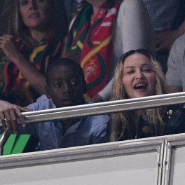 Madonna, alături de fiul ei, David Bnada, la meciul de fotnal dintre Portugalia și Suedia din campionatul Fifa 2018